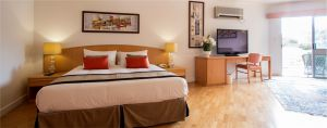 Couples retreat package luxury hotel south Australia